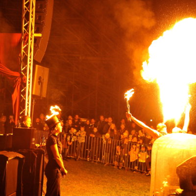 Varieté Show in Tripsdrill vor fast 2000 Zuschauern